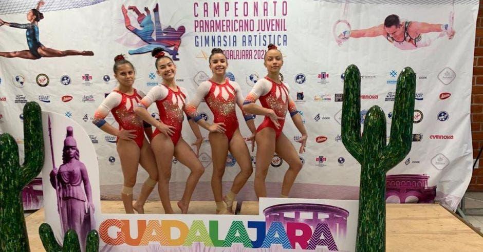 mujeres gimnastas