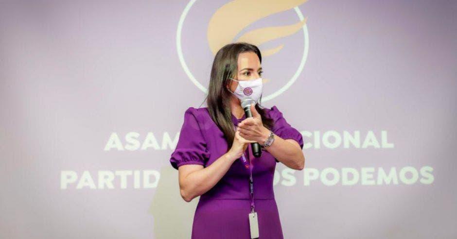 Natalia Díaz, quien hoy aceptó la candidatura por el partido Unidos Podemos.