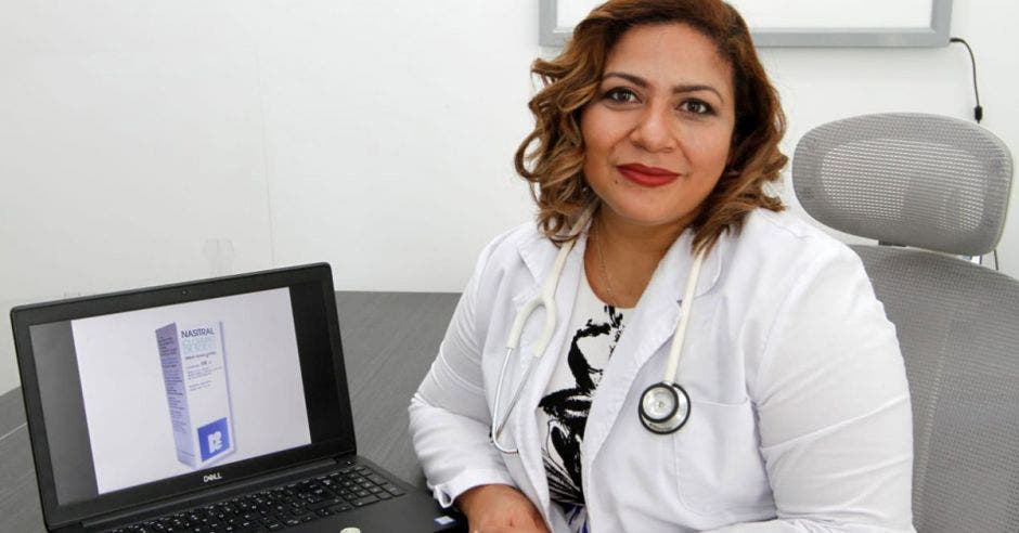 doctora Silvia Porras, médico general