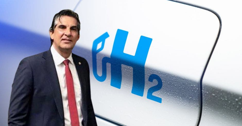 Mauricio Ortiz Ortiz es el Embajador de Costa Rica en Canadá, Cortesía/La República.