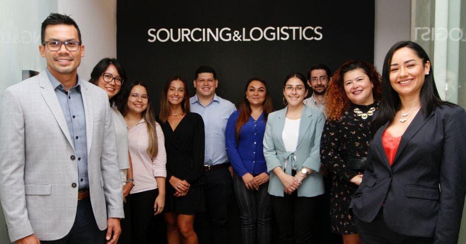 personal de empresa Sourcing & Logistics