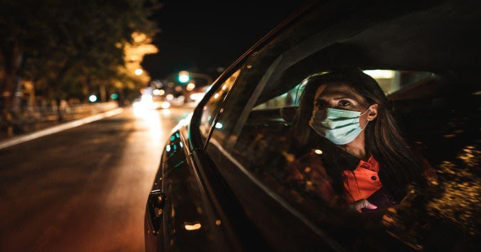Mujer en Uber