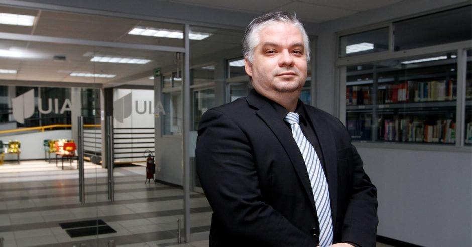 Dr. Edgar Hernández, vicerrector de la UIA.