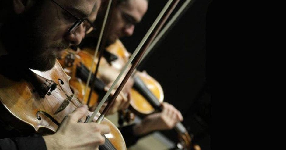 Musicos de la Orquesta