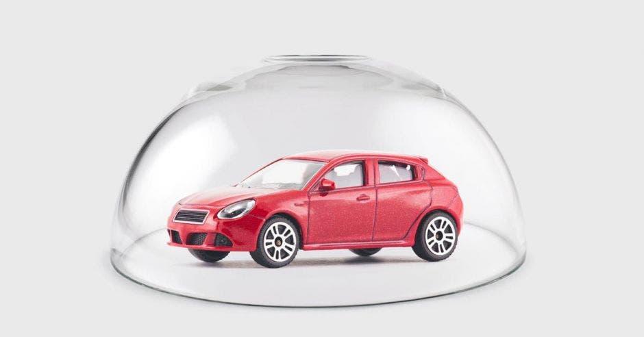 Carro rojo en burbuja
