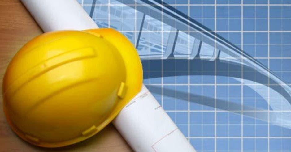 casco de constructor y planos