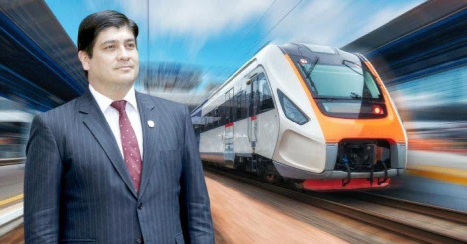 Carlos Alvarado y tren eléctrico
