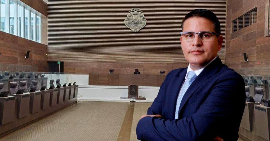 """""""Haremos todo lo posible por ganar las elecciones y el pueblo de Costa Rica lo verá con nuestras propuestas"""", dijo Fabricio Alvarado, candidato de Nueva República. Esteban Monge/La República."""