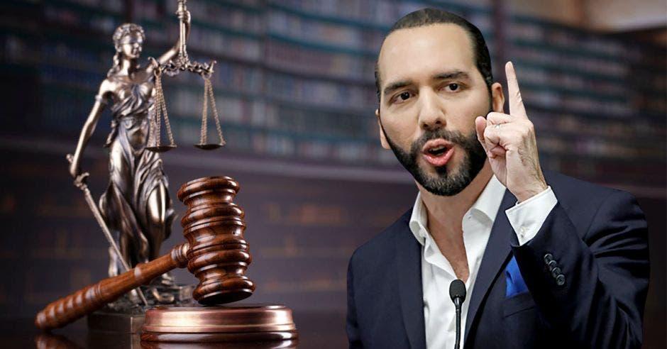 El presidente de El Salvador con el mazo y la imagen ícono de la justicia