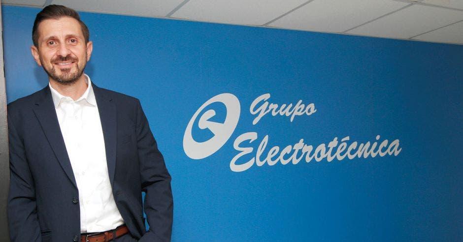 Mauricio Chacón, Gerente Comercial Regional de Grupo Electrotécnica.