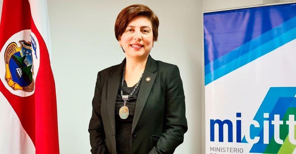 Paola Vega, ministra de Ciencia y Tecnología