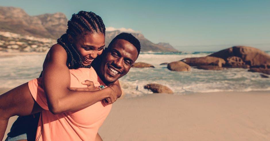 pareja afroamericana
