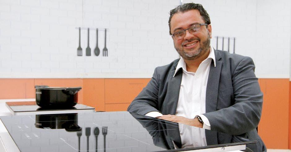 José Pablo Arguedas, director de la División Distribución y Comercialización de Electricidad del ICE.
