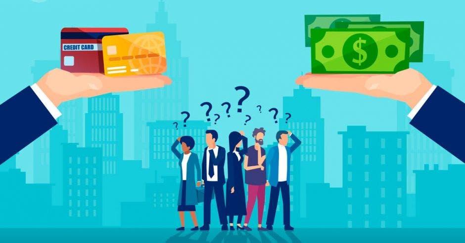 Personas con dudas ante presentación de opciones de crédito