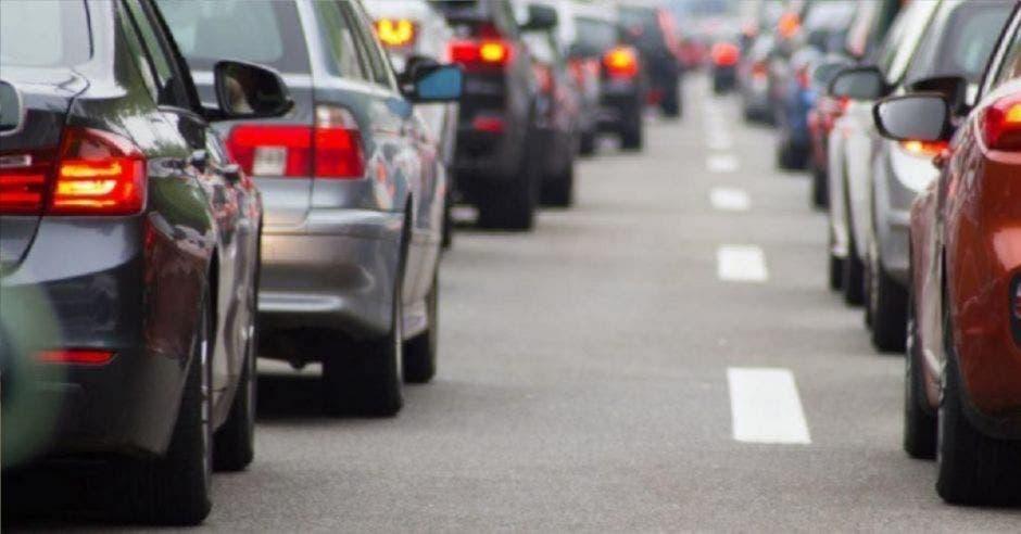 autos detenidos en tráfico