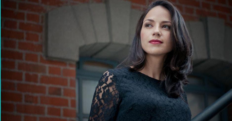 Marianela Villalobos, cantante