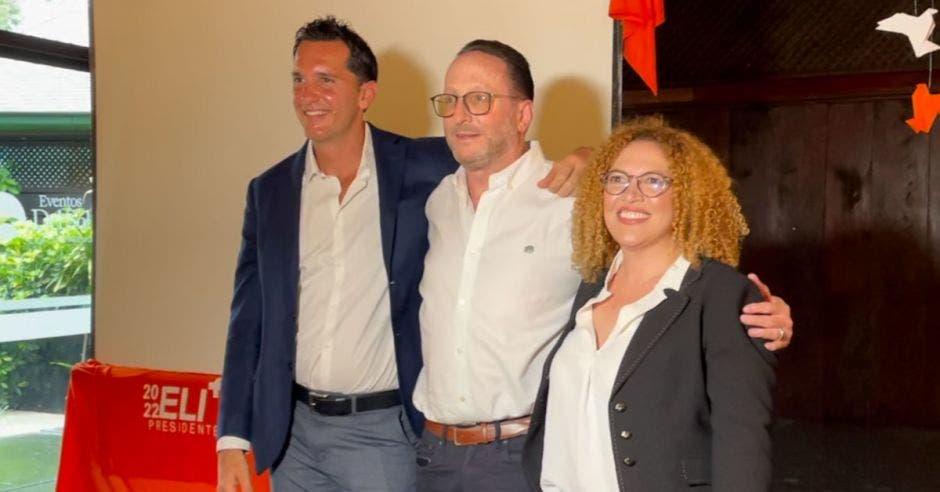 El partido liberal completa su papeleta presidencial con José Aguilar y Roció Briceño con las vicepresidencias. En el centro Eli Feinzaig. Cortesía/La República.