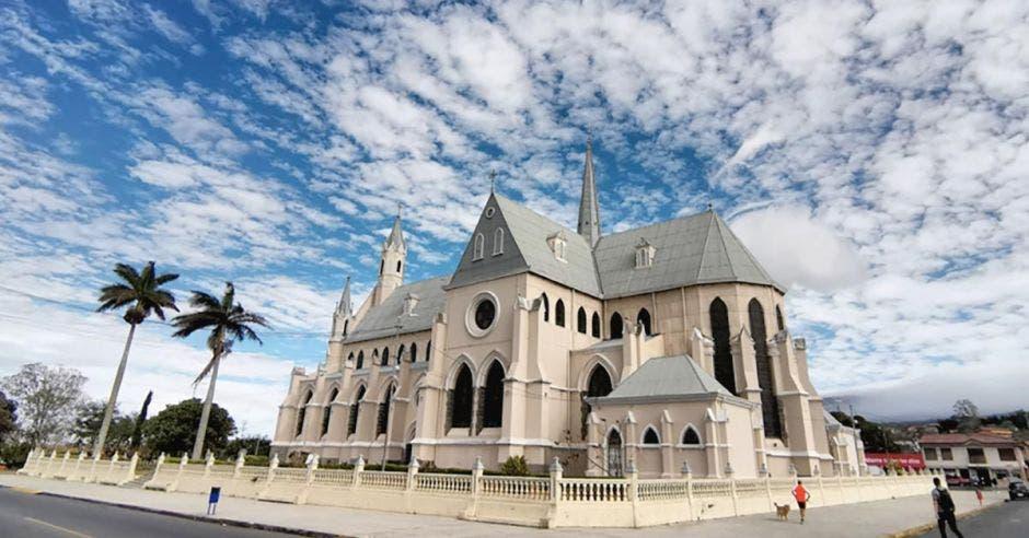 Iglesia de San Rafael de Heredia