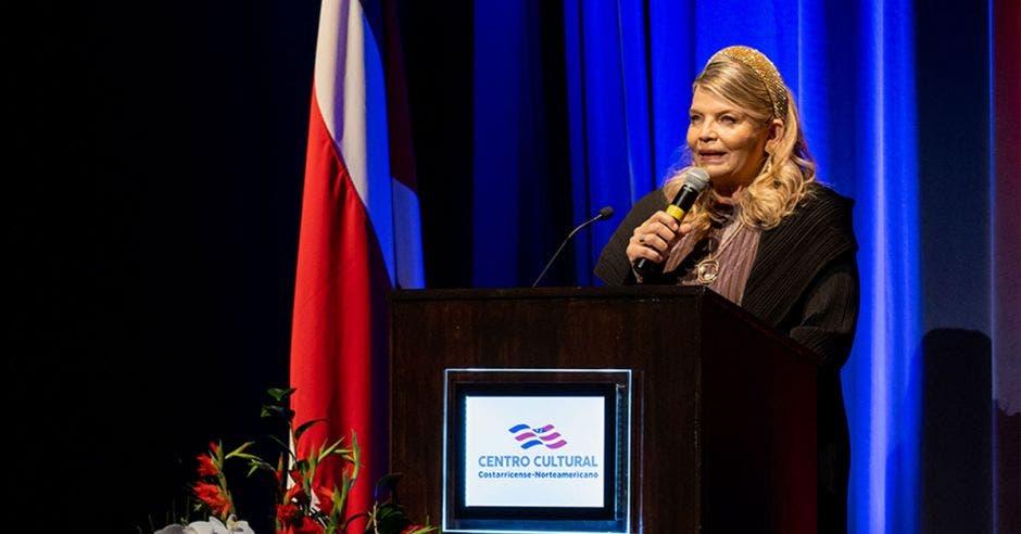 Margaret Grigsby, Presidenta de la Junta Directiva del Centro Cultural Costarricense Norteamericano