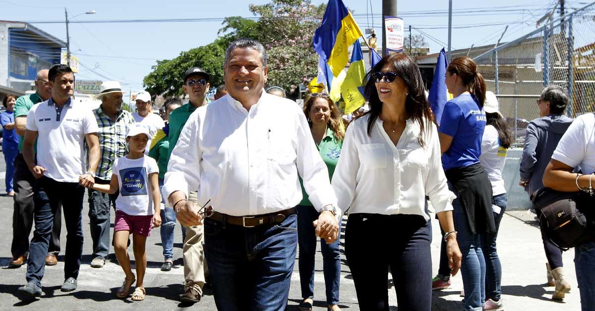 Johnny Araya y Sandra León. Ariela Muñoz/La República.